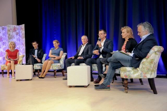 """Panel dyskusyjny  z udziałem laureatów konkursu pn. """"Firmy rodzinne - wspólne wartości, a problem sukcesji i wzajemnych relacji"""""""