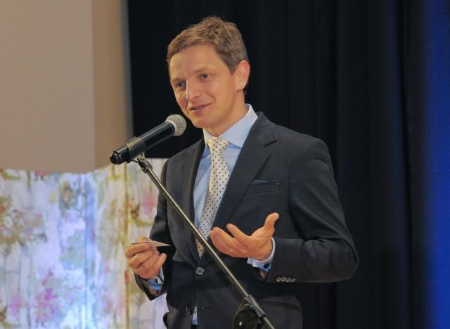 O związkach kultury z biznesem przekonywał Przemysław Kieliszewski, Dyrektor Teatru Muzycznego w Poznaniu, który zachęcał do wsparcia IX edycji Akademii Gitary w tym roku.